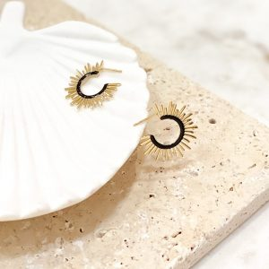 petites boucles d'oreilles soleil dorées et noires en acier inoxydable, bijoux et accessoires de mode pour femmes à Lyon